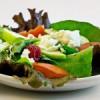 Cómo puede un restaurante hacer elegir una ensalada antes de una hamburguesa