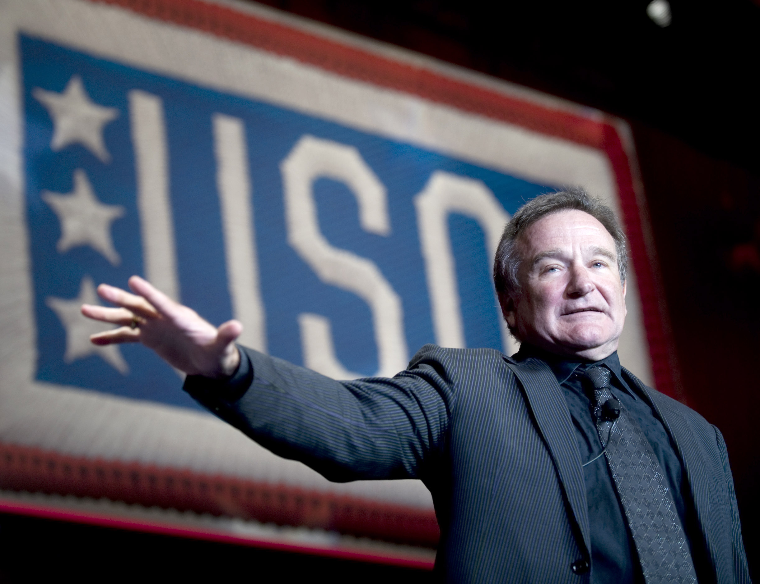 081001-N-0696M-339 Comedian and actor Robin Williams performs at the 2008 USO World Gala, Marriott Wardham Park Hotel, Washington, D.C., Oct. 1, 2008. (DoD photo by Mass Communication Specialist 1st Class Chad J. McNeeley/Released)